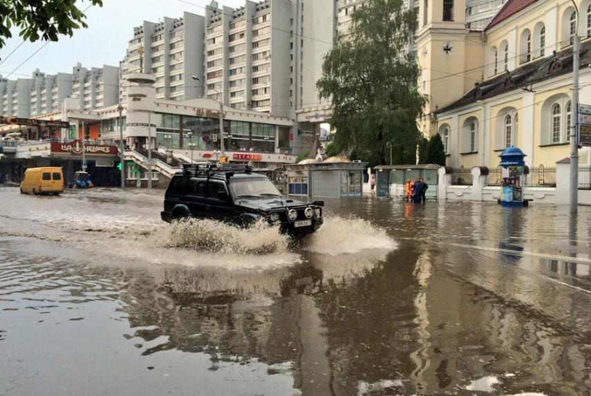 Новый асфальт затоплений не допустит