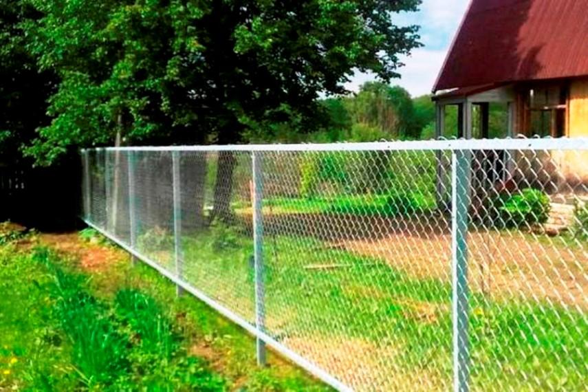 Сетчатый забор в СНТ